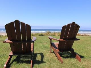 Beautiful Oceanfront Hm w/ Panoramic Ocean Views, Hot Tub & Easy Beach Access - Neskowin vacation rentals