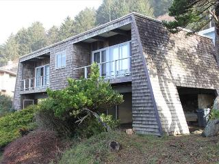 Great Ocean Views, Easy Beach Access Nearby, Beautiful Natural Surroundings - Lincoln City vacation rentals