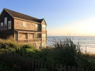 High End Ocean Front Vacation Home in Charming Bella Beach Neighborhood - Lincoln City vacation rentals