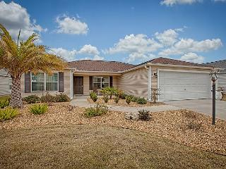 Fantastic 3 bedroom home near Brownwood paddock square. - Ocala vacation rentals