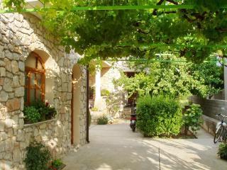 01610BETI A2(2+2) - Betina - Betina vacation rentals