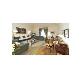 Giotto Luxury Apartment - Florence vacation rentals