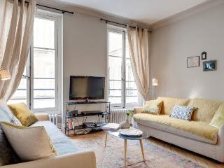 LOUVRE PONT-NEUF PRESTIGE: 2BR / 2BA by the Louvre - Paris vacation rentals