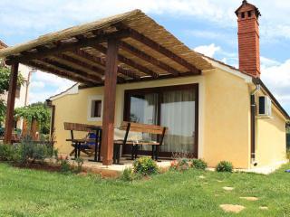 TH00278 Apartments Sonja Gardelin / Holiday house - Pula vacation rentals