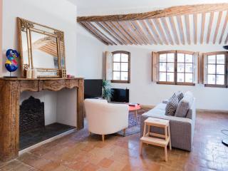 Duplex d'exception terrasse Place Cardeurs - Aix-en-Provence vacation rentals