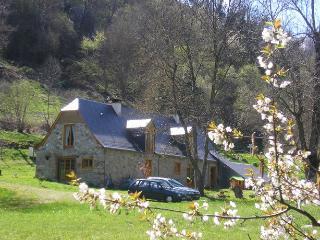 La bergerie Capou  maison d'hôtes à la montagne - Argelès-Gazost vacation rentals