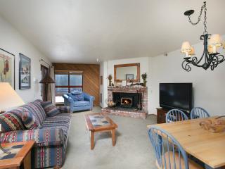Aspen Creek 108 - Mammoth Condo - Near Eagle Lift - Mammoth Lakes vacation rentals
