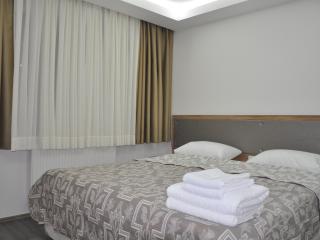 Sultanahmet-1st FL Studio For 3 Pax - Istanbul & Marmara vacation rentals