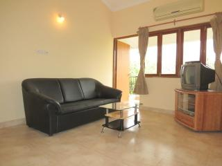 23) 2 Bedroom Apartment Arpora Sleeps 6 & Wi-Fi - Calangute vacation rentals