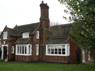 ORGREAVE LODGE, Orgreave, Burton on Trent, Staffordshire - Burton upon Trent vacation rentals