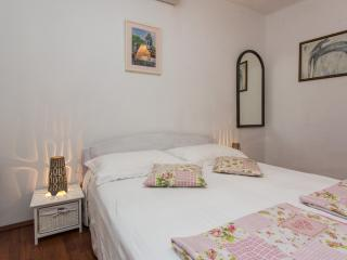 Budget Old Town - One-Bedroom Apartment (3 Adults) - Ispod Mira 3 Street - Dubrovnik vacation rentals