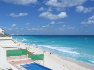 3BR BEACH FRONT VILLA SLEEPS 10 - Cancun vacation rentals