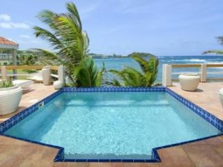 Unparalleled 3 Bedroom Beachfront Villa on Dawn Beach - Dawn Beach vacation rentals
