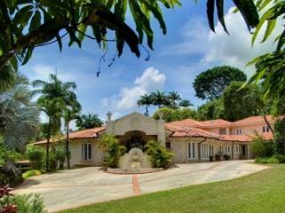Lovely 5 Bedroom Coral Stone Villa in Sandy Lane - Sandy Lane vacation rentals