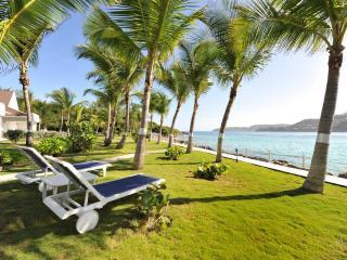 1 Bedroom Beachfront Villa in Saint Jean - Saint Jean vacation rentals