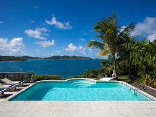 2 Bedroom Villa with Private Pool & Deck in Pointe Milou - Pointe Milou vacation rentals