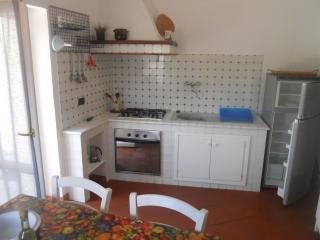 Casa vacanze tra Levanto e le 5 Terre - Castiglione Chiavarese vacation rentals