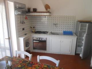 Casa vacanze tra Levanto e le 5 Terre - Liguria vacation rentals
