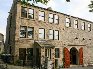 Millbarn - 6 Bed Grade 2 Listed House - Sleeps 12 - Huddersfield vacation rentals