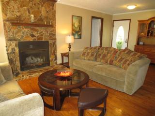 Lake Sinclair Lake Front 113 Daylight Dreamer - Eatonton vacation rentals