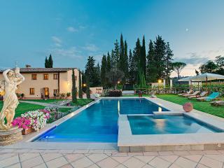 VILLA IRIS, VILLA DI LUSSO A SAN GIMIGNANO - San Gimignano vacation rentals