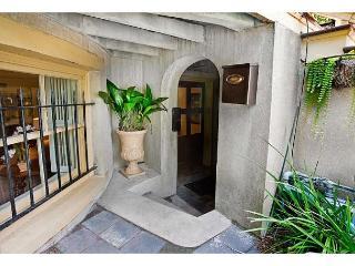 One bedroom on charming Gaston Street - Savannah vacation rentals