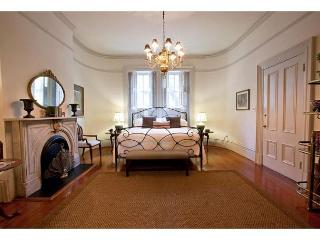 1 bedroom with VIP access to Mrs. Wilkes restaurant - Savannah vacation rentals