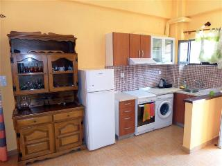 Garden-view apartment, 50 m to the beach - Corfu vacation rentals