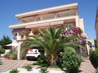 Neno 1 nice ap. for 4 people - Novalja vacation rentals