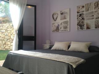 B&B Villa Mariposa: piscina, terrazzo, vista mare - Budoni vacation rentals