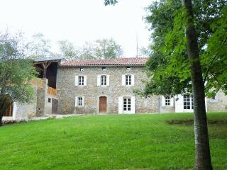 Farmhouse Ariege Midi-Pyrenees -pool for 10 guests - Ariege vacation rentals
