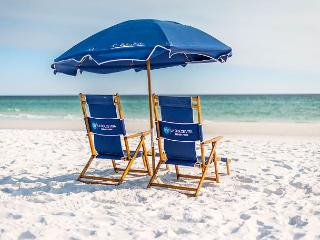 HUNKER DOWN !!  COMMUNITY POOL FREE BEACH SERVICE, 6/27-7/4 Available!! - Miramar Beach vacation rentals