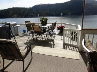 Water Front + Only 13 Miles from Silverwood! - Priest River vacation rentals