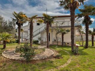Villa Daniel  4 Star Accomodation, Pula, Location! - Pula vacation rentals