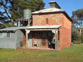 GRAMPIANS HISTORIC TOBACCO KILN - Dunkeld vacation rentals