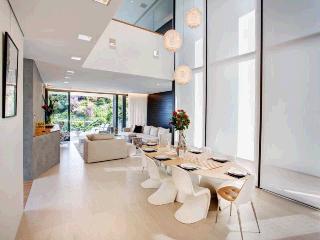 PURE INDULGENCE - Sydney Metropolitan Area vacation rentals