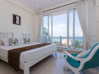 OceanBreeze Colombo - Sea View 2-B Apt. - Colombo vacation rentals