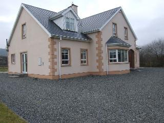 Beautiful Clonmany Holiday Home, Co.Donegal - Clonmany vacation rentals
