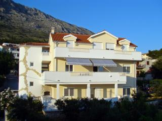 35996 A1(4+2) - Nemira - Omis vacation rentals