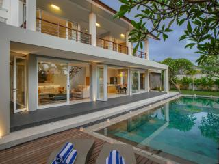 Villa DelMar - 4 Bedroom Private Villa in Canggu - Seminyak vacation rentals
