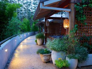 Jagundami Guest Retreat - Yarrahapinni vacation rentals