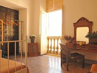 *SPECIAL OFFER* Matteotti Room - Sarzana vacation rentals