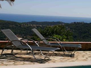 PRIVATE POOL AND BREATHTAKING PANORAMA SEA VIEWS - Calonge vacation rentals