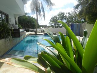 Villa Sutherland (no Bolivares or cash) - Willemstad vacation rentals