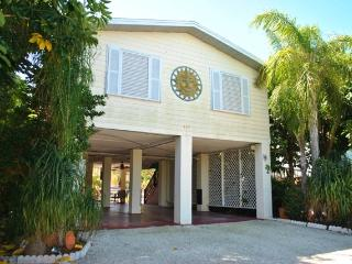 157 Ojibway Ave - 28 NIGHT MINIMUM - Islamorada vacation rentals