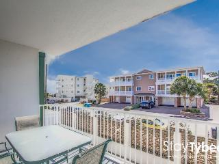 Wine Down Gull Reef -  Beachside Condo 3 BR/Pets - Tybee Island vacation rentals
