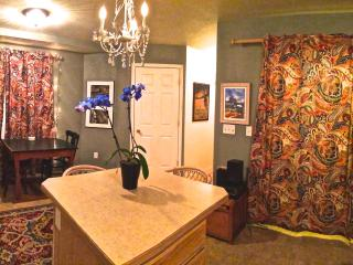 Artist's Home Close To It All - Missoula vacation rentals