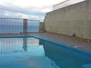 IZ-ZEBBUGA DIRECT ON CLIFF'S EDGE,ZEBBUG GOZO - Zebbug vacation rentals