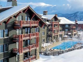 Chic Ritz Carlton Three Bedroom- superb Ski-in/Ski-out, Aspen Club & Spa access - Aspen vacation rentals