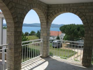 Apartment Mary 4 for 4 persons - 30m from the sea with air conditioning - Dobropoljana vacation rentals